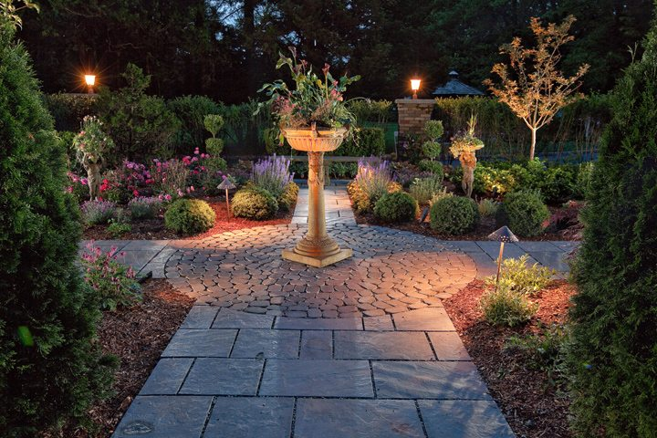 Award for Residential Landscape Lighting: Residential Landscape Lighting - Morristown, NJ