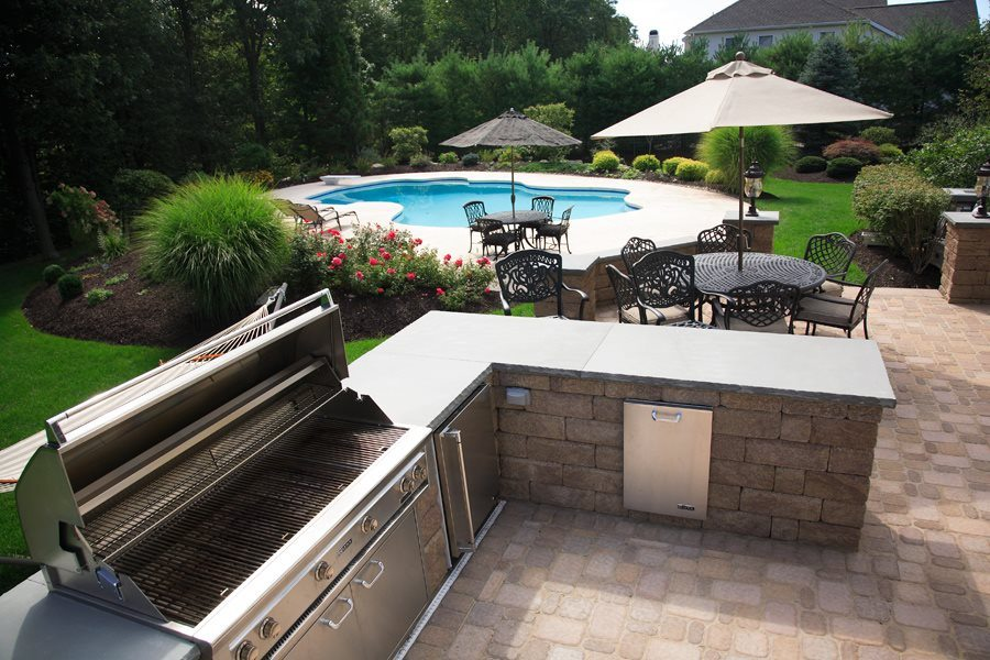 Outdoor BBQ and Dining with Swimming Pool